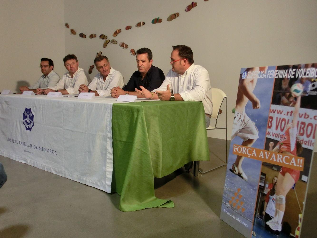 Foto nou patrocinador Club Voleibol Ciutadella 5 9 2014