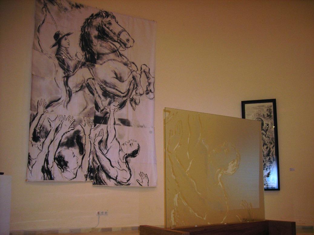 Boceto y uno de los vidrios de Zulema Bagur para la Reynolds Fundation de Maó.