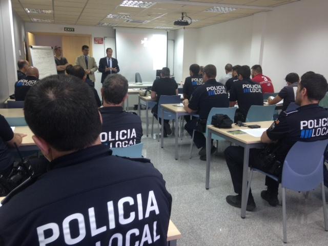 Imagen de una charla para Policías Tutores.