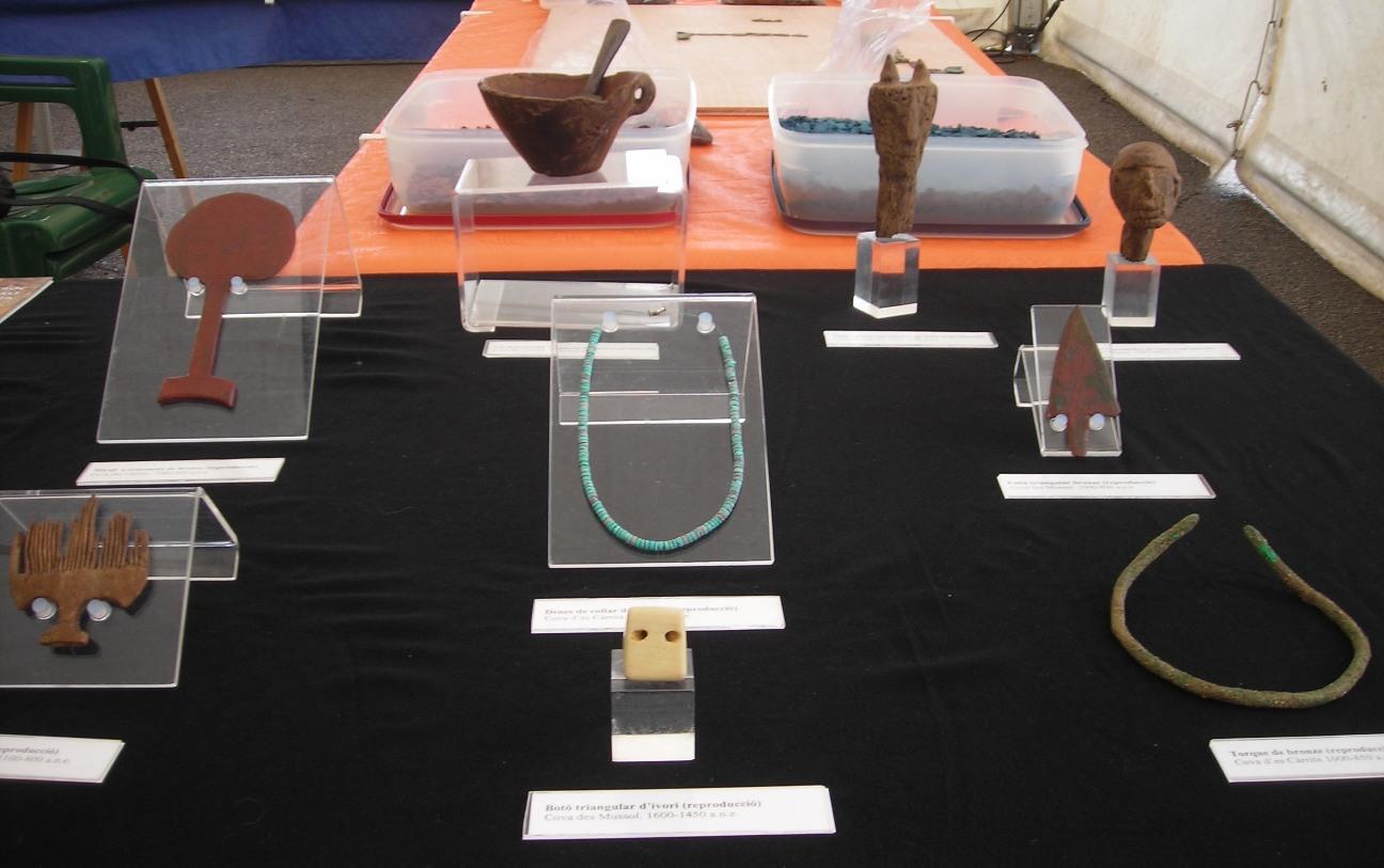 Réplicas de piezas del Museu Bastió de sa font