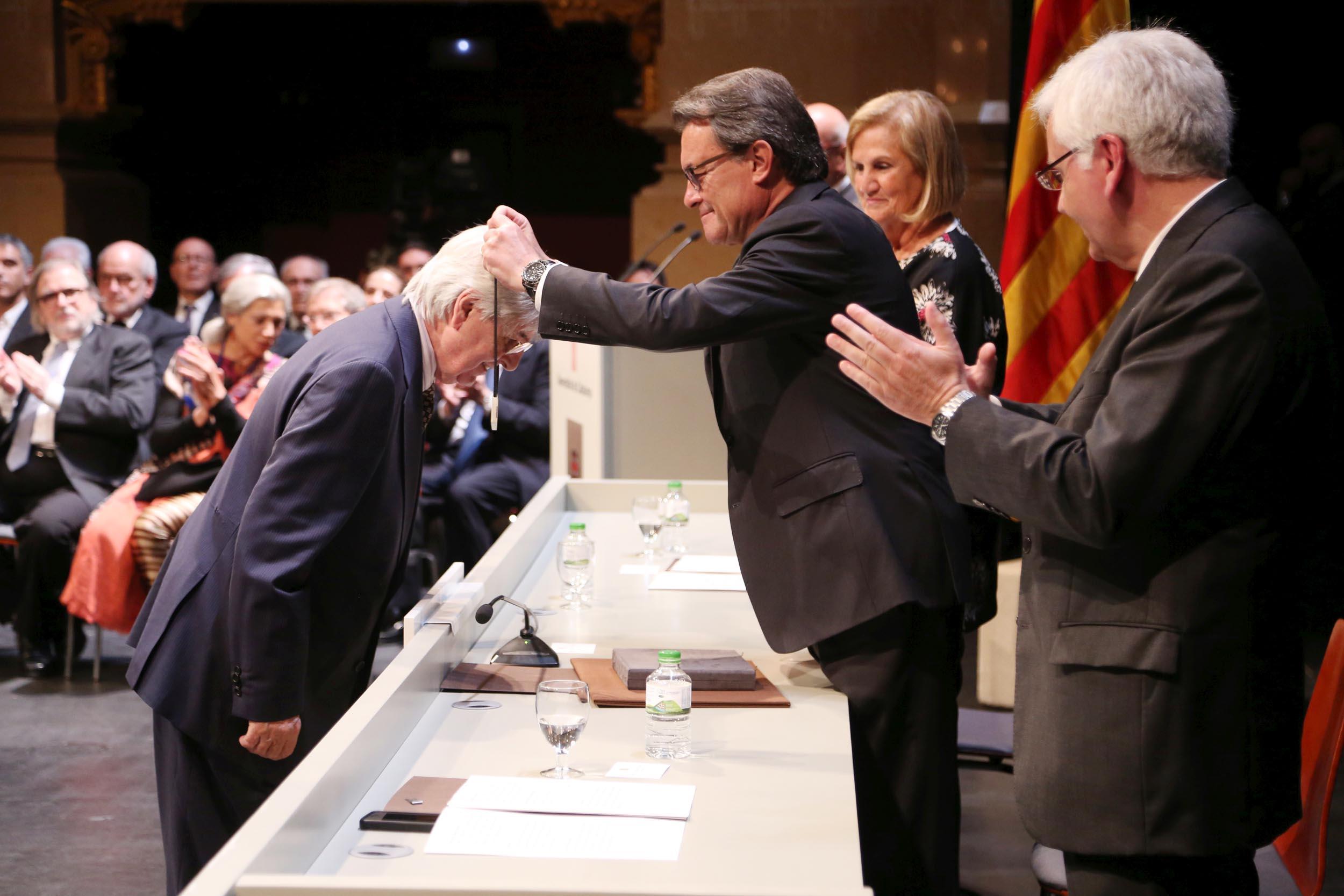 Ramon Coll. Creu Sant JOrdi Generalitat