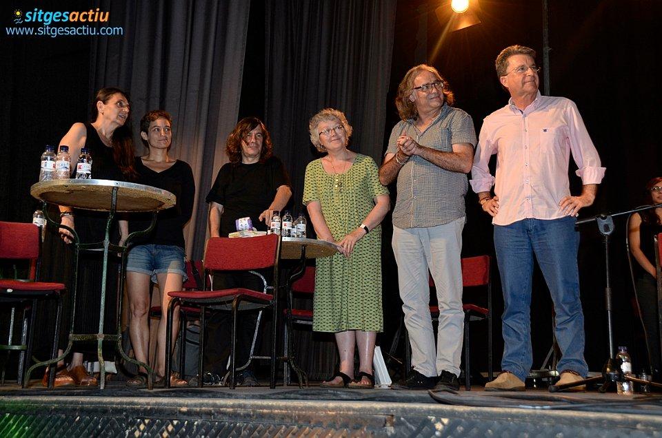 Los poetas invitados, durante el espectáculo poético musical.  Foto: Sitges Actiu.