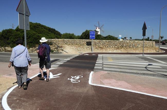 El ayuntamiento de Es Castell reclama, entre otras cosas, la prolongación del carril bici entre las rotondas de Fontanilles y Ses Escoles.