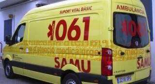 Una ambulancia del 061 atendió al herido.