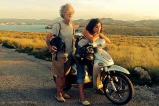 Fotograma de la película 'Isla bonita' de Fernando Colomo.
