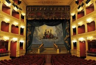 Imagen de la portada del último tomo publicado de la Enciclopedia de Menorca.