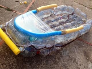 De Santandria a Sa Caleta con una barca reciclada y contra el cáncer