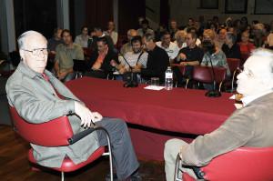 Carreras, junto con Antpn Soler, quien ha presentado el acto. FOTO.-Tolo Mercadal