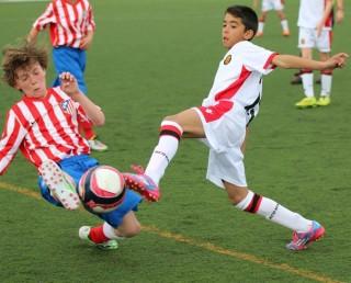 Partido de la pasada edición entre el Mallorca y el Atlético de Madrid U11.