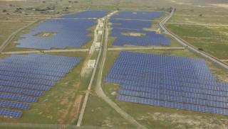 Imagen aérea tomada por un dron del parque solar fotovoltaico de Son Salomó. Foto: Dronesky.