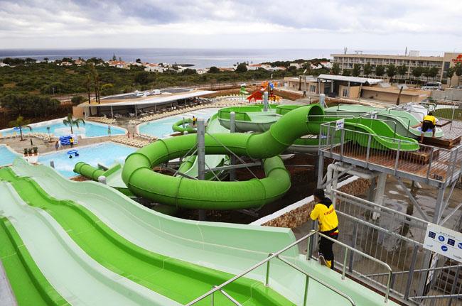 Personas pasaron por el parque acu tico splash en - Parque acuatico menorca ...