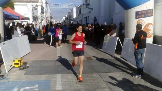 Moreno, entrando en la línea de meta (Foto: CCE Sant Lluís)