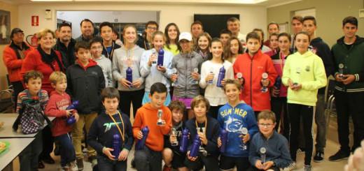 Foto de familia de los distintos vencedores (Foto: CT Mahón)