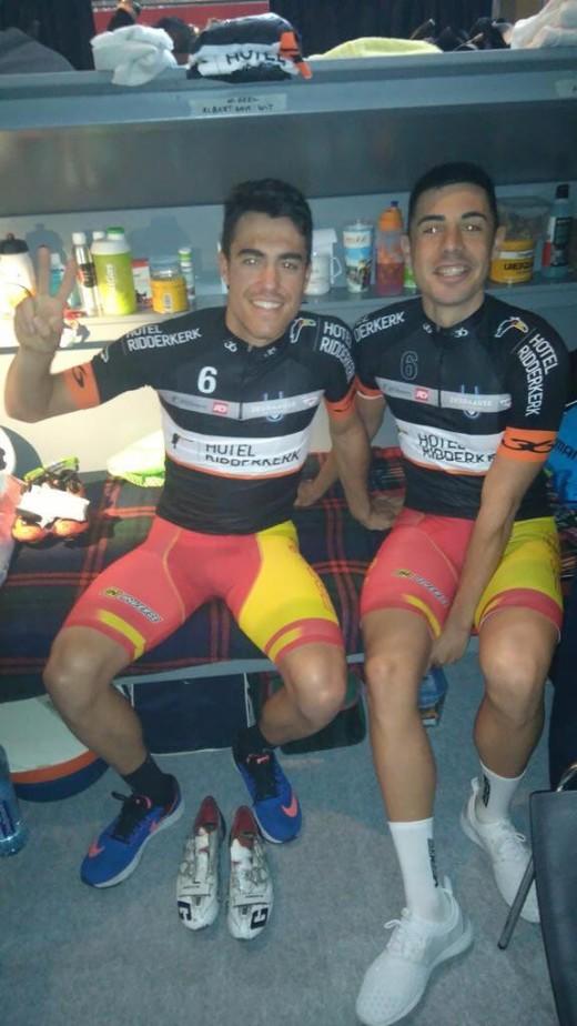 Torres, junto a Mora ayer en Roterdam (Foto: @alberttorresb)