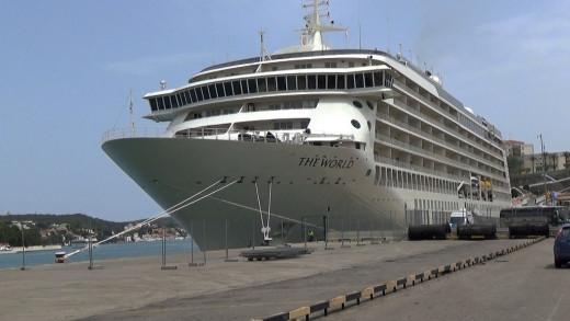 Crucero en el puerto de Maó (Foto: Tolo Mercadal)