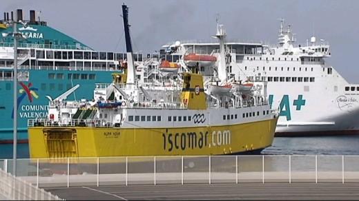Barcos operando en Son Blanc (Foto: Tolo Mercadal)