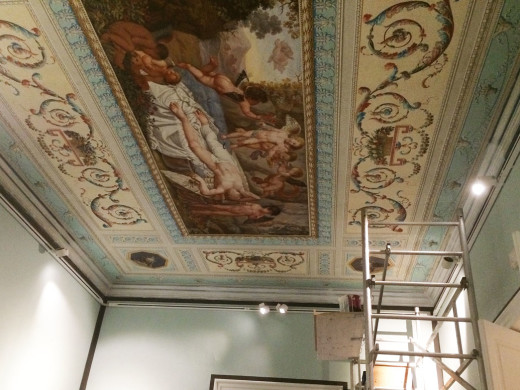 Terminan las primeras restauraciones de las pinturas murales de Ca n'Oliver en Maó