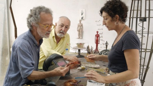 Fernando Colomo (izquierda) en una escena de 'Isla bonita' junto a Nuria Román.