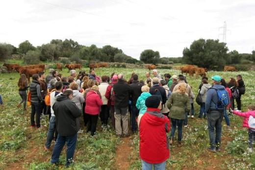 Los participantes durante la visita a la finca. Foto: Agència Reserva de Biosfera Menorca.