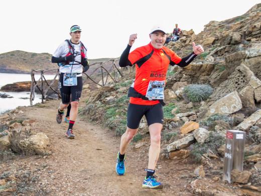 Tolo Fiol y Laia Díez reinan en la Trail dels Fars