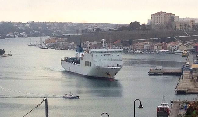 El puerto de Maó pierde fuelle para el paso de mercancías