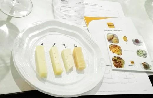 Con los vinos y el vermut se combinaron diferentes tipos de queso de la isla.