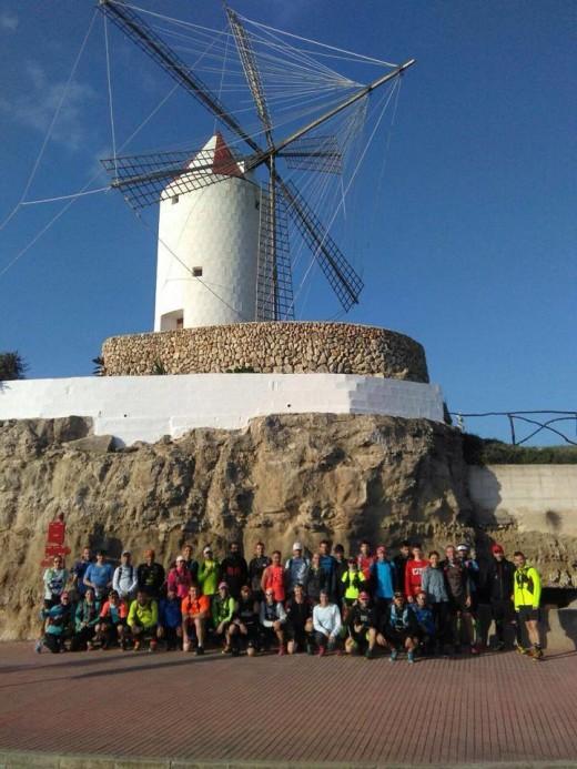 Imagen de los participantes en uno de los últimos entrenamientos con salida en Es Castell (Foto: Trail Camí de Cavalls)