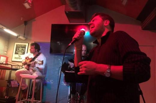 Bep Marquès en un momento de su actuación con 'Vida' en el Espai Xocolat de Palma. Foto: B.M.