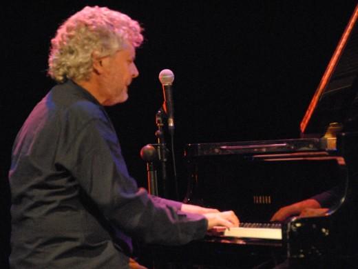 Jazz y voz profunda para recordar a Ramon Llull