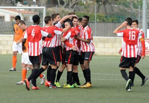Celebración de un gol del Mercadal (Fotos: Tolo Mercadal)