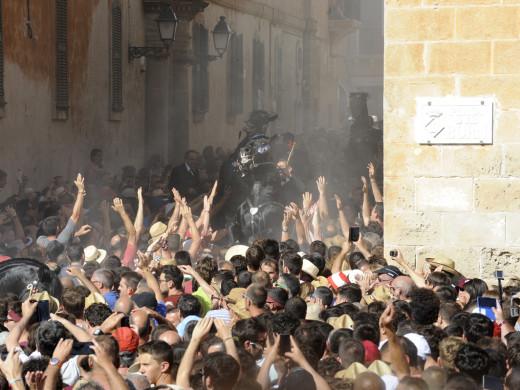 (Fotos y Video) Explosión de júbilo en la plaza des Born