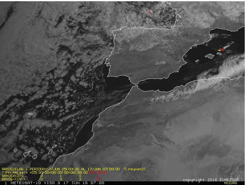 Gráfica de Aemet que muestra las tormentas al norte de Menorca.