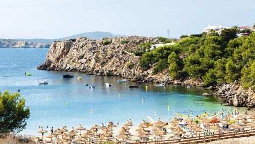 Imagen de la playa de Arenal d'en Castell.