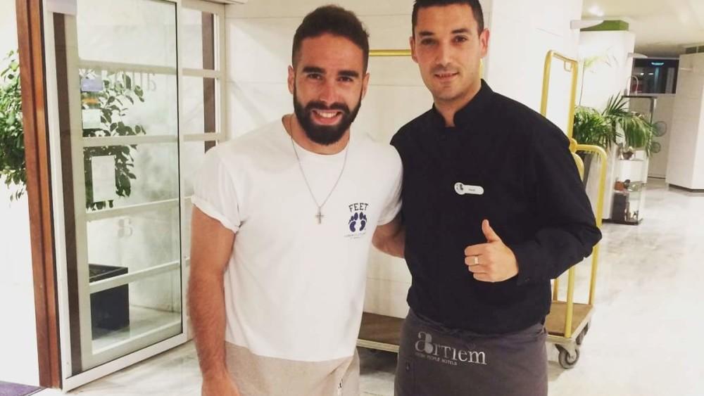 Carvajal, de la Champions de Milán a Cala Galdana