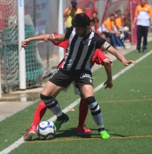 Acción del partido de ida disputado en Son Cladera (Foto: futbolbalear.es)