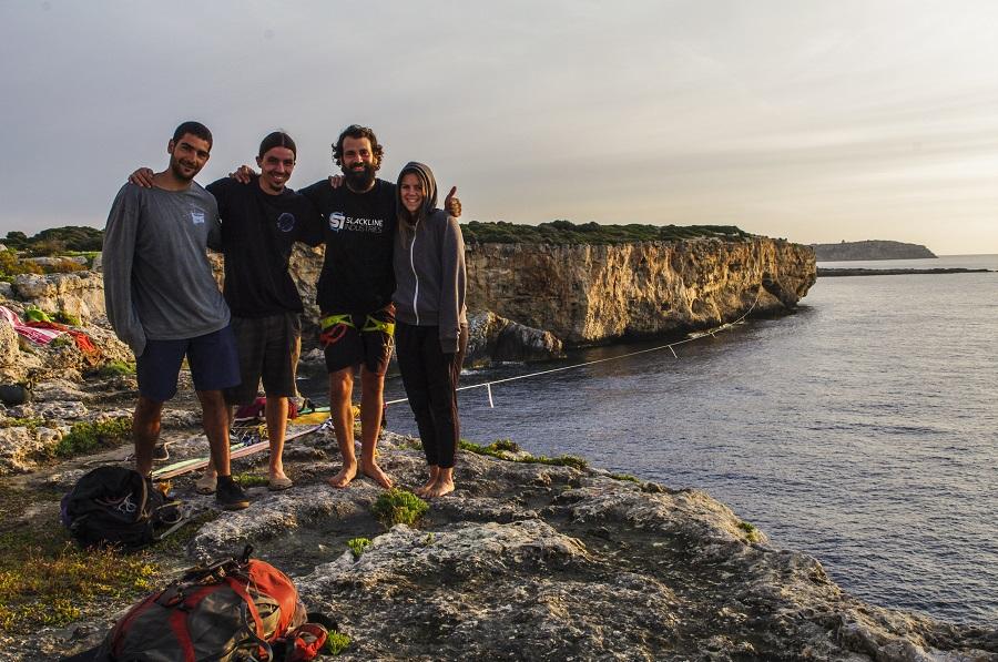 Galería de fotos) Récord mundial de slackline sobre el agua en Cala ...