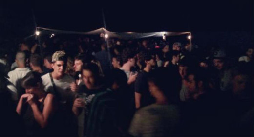 Imagen de la fiesta de anoche en el bar Paupa