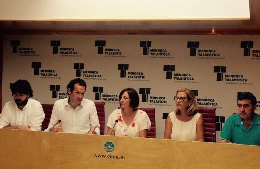 El conseller balear Marc Pons presentó las ayudas junto a los alcaldes de los municipios afectados y la presidenta del Consell.