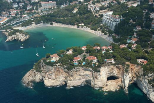 Imagen aérea de Cala Galdana, en Ferreries.