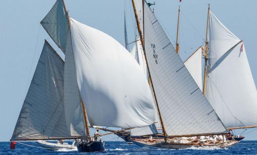 Varios veleros, en un momento de la regata (Fotos:  Vela Clásica)