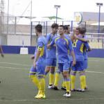 Celebración tras el gol de Carlos (Fotos: deportesmenorca.com)