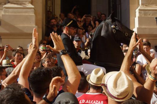 Imagen del inicio de las fiestas ayer en Maó.