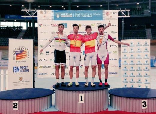 Albert Torres, en el podio tras el triunfo (Fotos: RFEC)