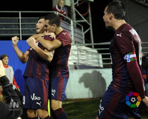 Sergi Enrich celebra el gol (Fotos: laliga.es)