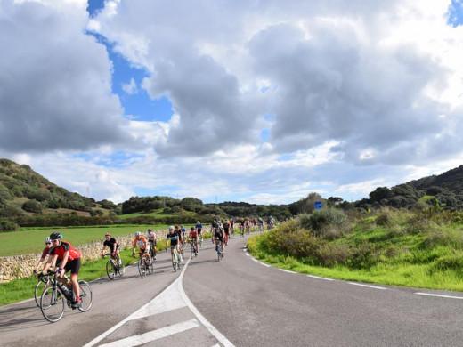 Las mejores imágenes de la Volta Cicloturista Internacional a Menorca