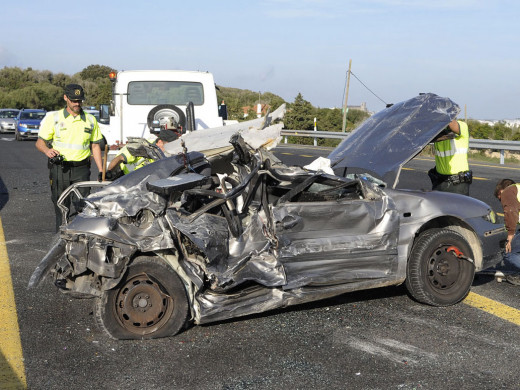 (Fotos) Aparatoso accidente con cuatro heridos en la carretera general