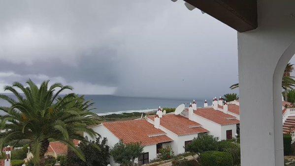 Imagen de la lluvia descargando en Son Bou.