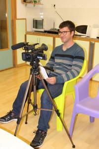 Alfons Piqué dirige su primer largometraje tras foguearse con series de televisión.
