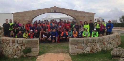 Imagen del grupo antes de la salida del entrenamiento (Foto: Trail Menorca)