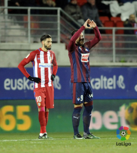 Saludo de Sergi Enrich tras anotar el gol (Foto: laliga.es)